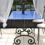 Table fer forgé sur mesure, plateau lave émaillée PYROLAVE, metal mobilier d'art Toulouse FAS