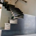 Escalier et meuble de rangement sur mesure en acier by FAS Toulouse